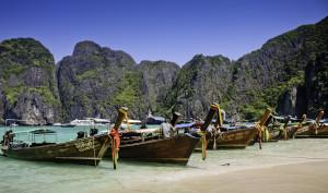 Longtail_Boat_At_Maya_Bay,_Krabi,_Thailand